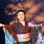 真木柚布子:自身の応援歌と話す幸せ演歌の新曲「春が咲く」